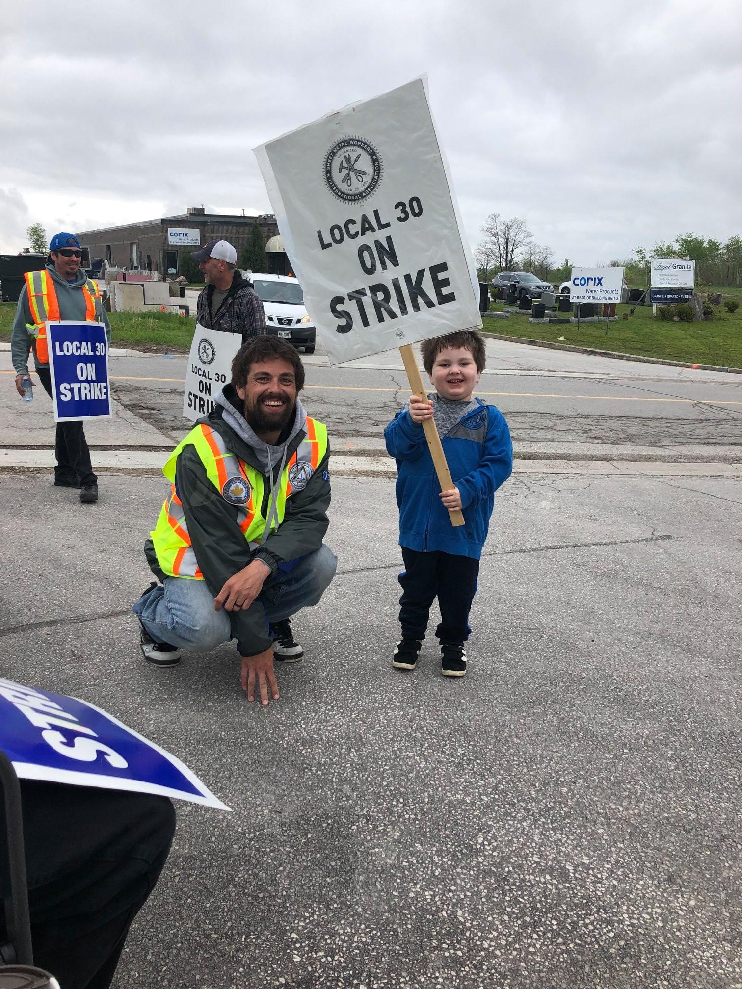 12 000 Ontario Plumbers Pipefitters To Vote On Strike